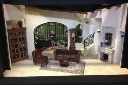7772099081_une-maquette-du-decor-de-la-prochaine-piece-dans-laquelle-jouera-michel-sardou