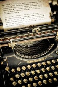 c2ea4040428b7e3c0712878c18e53f39--underwood-typewriter-typewriters