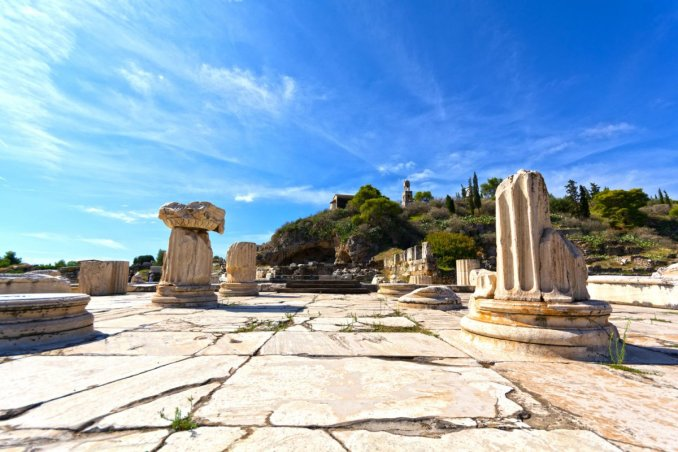Ruins-sanctuary-Eleusis-Greece